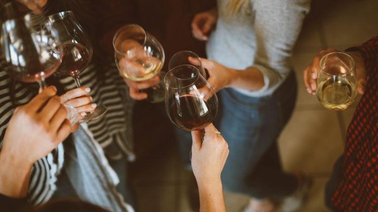 Wein trinken, Gruppe