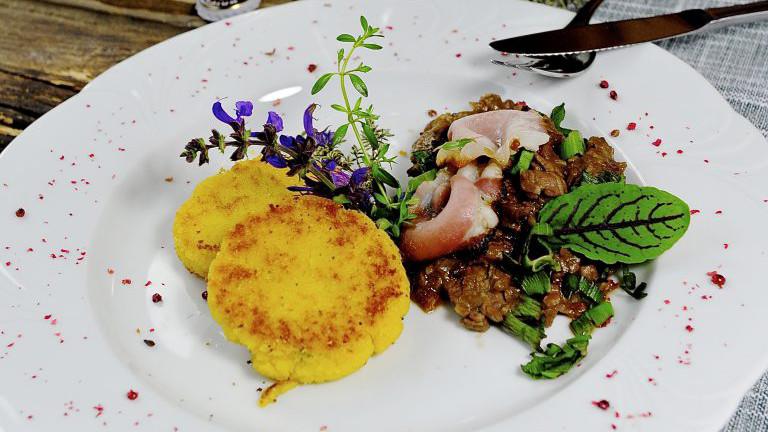 Rindfleisch-Geschnetzeltes mit Polentalaibchen