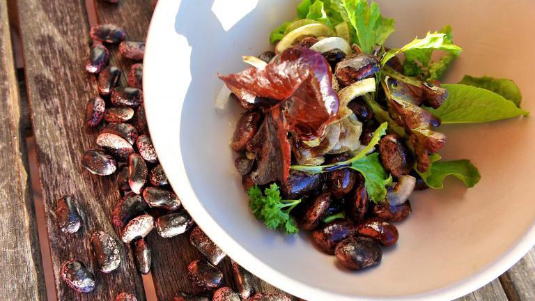 Käferbohnensalat in einer Schüssel