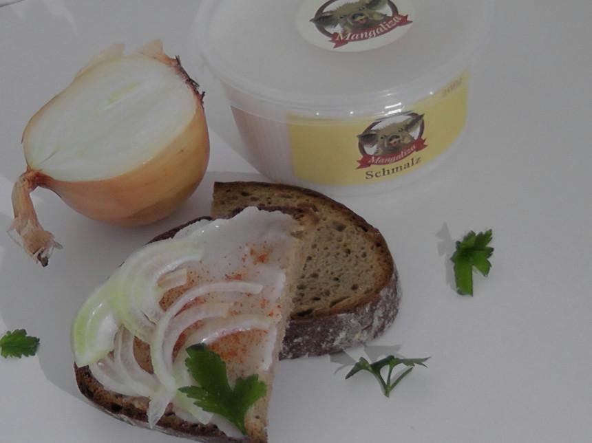 Schmalz frisch vom Mangalizaschwein