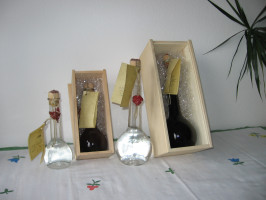 Edelobstler in der Geschenkflasche