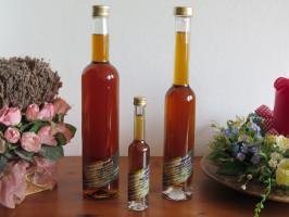 Weintraubenbrand in Maulbeerfass gereift