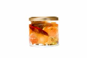 """Ziegenfrischkäse """"Balalas"""" mit Schinken und Oliven"""