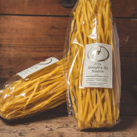 Straußen Ei Nudeln Spaghetti breit