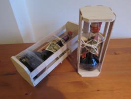 Box mit versiegelter Nussschnaps-Geschenkflasche