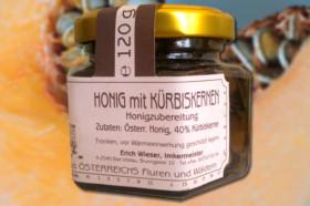 Honig mit Kürbiskernen