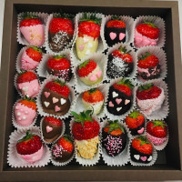 30er Box Erdbeeren im Schokomantel