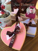 Herz in Rosa gefüllt mit fruchtigen Pralinen