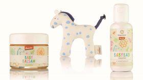 Baby Geschenks Paket mit GOTS Stoffpferdchen