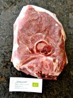 Steaks vom Bio-Lammschlögel