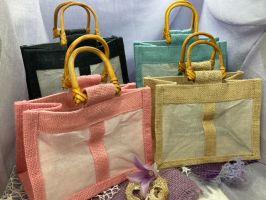 Jute-Geschenktasche mit zwei Baumwollsichtfenster