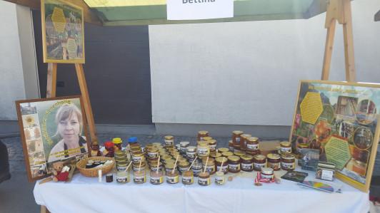 Bio Honig und viele verschiedene naturbelassene Pr...