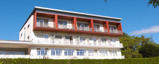 Wir haben noch ein Hotel mit 17 Zimmer direkt an d...