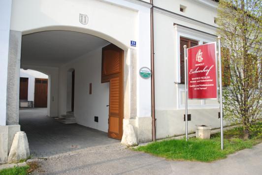 Unser Traditionshaus für die Verarbeitung der Wein...