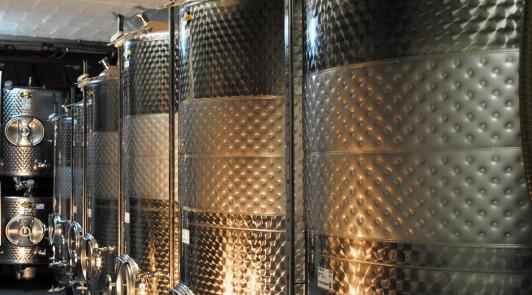 Kühlbare Weintanks für optimale Weinaromaentwicklu...