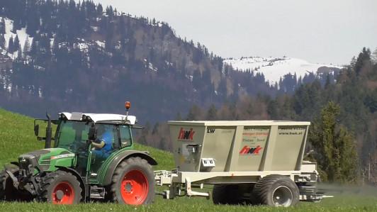 Jedes Jahr machen wir eine Streuung auf die Felder...