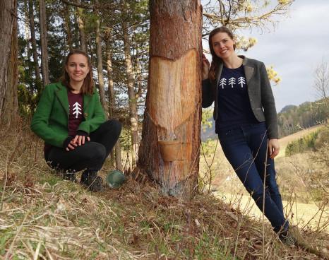 Claudia und Sandra im Pechwald.