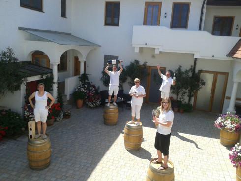 Wir freuen uns auf Ihren Besuch! Ob zur Weinverkos...