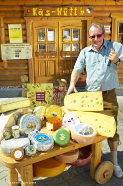 Karl Stix vor dem Bauernladen