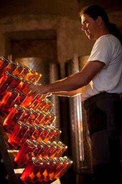 Handgerüttelt, in der Flasche vergoren