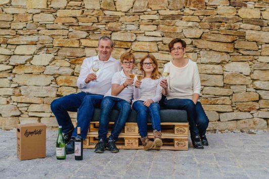 Die Winzerfamilie: Fritz, Leonhard, Valentina und ...