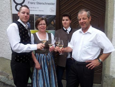 Winzerfamilie Stierschneider