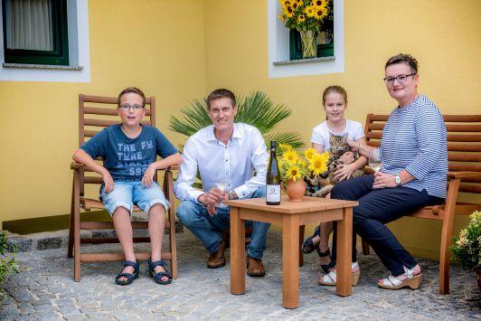 Familie Bauer, Röschitz, Weinviertel, Niederösterr...