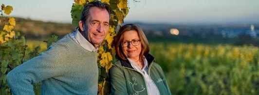 Günter und Renate Nastl im Weingarten