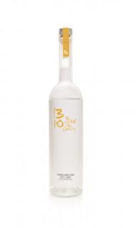 QUITTE Entdecken Sie das natürliche Aroma der Quitte mit unserem traditionell hergestellten Vodka. Die handverlesenen Zutaten werden In einem einzigartigen Verfahren sorgsam vermählt.  erfrischend säuerlich 40% vol  Nase: Ein erfrischend blumiger, jedoch nicht aufdringlicher Quittenton Geschmack: Reifer Quittengeschmack mit einem sanften Birnenton und dezenten Alkoholnoten Abgang: Erfrischend säuerlich, mit einem unaufdringlichen Citrusabgang