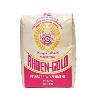 Weizenmehl W700 griffig Weizenmehl mit höherem Ausmahlungsgrad und höherem Anteil an Ballaststoffen. Dieses gröbere Mehl mit mehr Schalenanteilen  eignet sich unter anderem für Spätzle,  Knödel oder Brot.