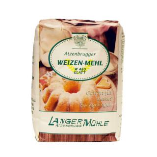 Weizenmehl W480 glatt Das Mehl, das für jede Hausfrau seit jeher zur Grundausstattung ihres Lebensmittelvorrats zählt. Nehmen Sie glattes Mehl für alle Arten von Kuchen und Mehlspeisen und z.B. für den gezogenen  Apfelstrudel, für Einbrenn und zum Binden von Soßen.