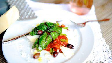 Mangold, Gerste, Tomaten und Oliven