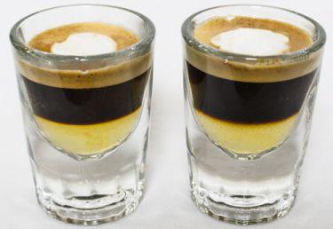 Orangello Original-Gläser  Abbildung: zwei Schönbrunner Espresso (1 cl Orangello mit Ristretto)