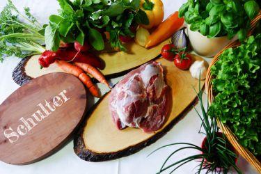 Schulter - Feinstes Bio-Schweinefleisch, ideal für Schnitzel, Schweinsbraten