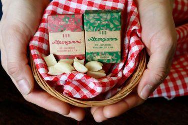 Alpengummi aus Baumharz und Bienenwachs.