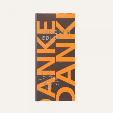 Milchschokolade (Kakao: 39% mindestens).  Zutaten: Zucker, Kakaobutter, VOLLMILCHPULVER, Kakaomasse, Emulgator: SOJA-LECITHIN.  Spuren von Schalenobst können vorhanden sein.  Durchschnittliche Nährwerte pro 100 g: Energiewert: 2447 kJ / 584 kcal Fett: 40 g davon gesättigte Fettsäuren: 23 g Kohlenhydrate: 49 g davon Zucker: 48 g Eiweiß: 6,5 g Salz: 0,2 g
