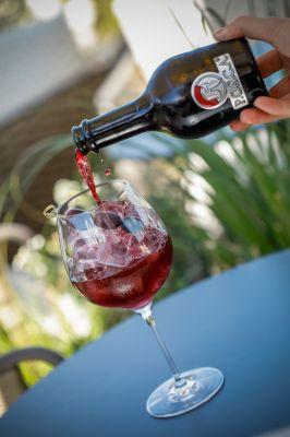 Wir empfehlen natürlich - Posca Romana pur! evtl. noch Eis und Zitronenmelisse für den vermutlich besten Mocktail der Welt. ;-)