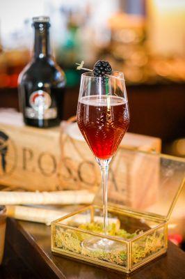 Posca Royal - mit Wermut und Champagner. mehr auf: posca.world/posca-shrubs
